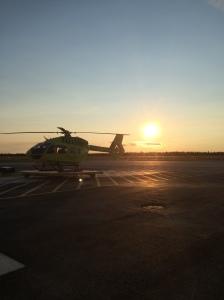 FH51 Rovaniemen basen platalla keskiyön auringon paistaessa.